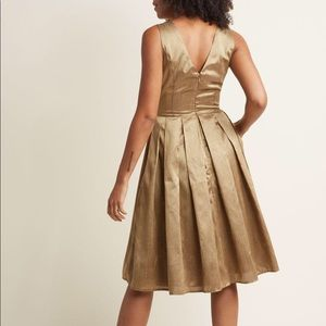 Modcloth Dresses - ModCloth Gold Holiday Pleated Midi Dress